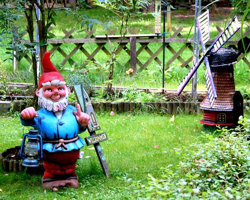 Es la guerra enanitos de jard n for Arbustos enanos para jardin