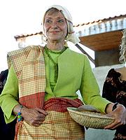Fernández de la Vega... ¿vestida de Dña Maria?