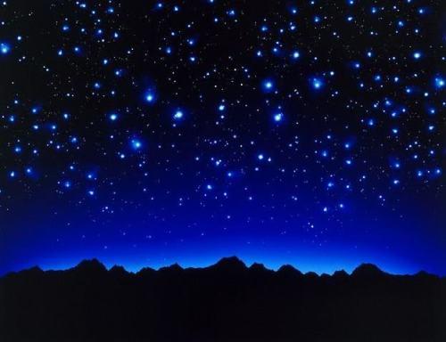 Si no tienes con quien dialogar, habla con las estrellas...