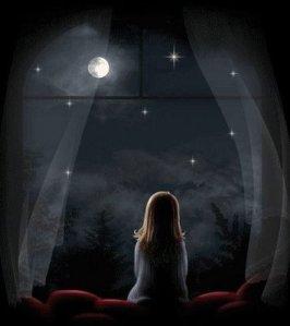 Es fantástico pensar que hay una luna panacea para cada uno de los que la miran embelesados...