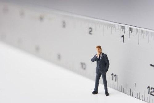 Con tanta obsesión por el crecimiento, económico o de otro tipo, no caemos en la cuenta de lo importante que es a veces decrecer tan sólo tres milímetros...