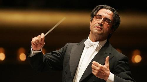 Se puede hacer cultura en todos los niveles. Con Muti y Verdi en Toledo, o haciendo sonar a Bruckner en Candeleda...