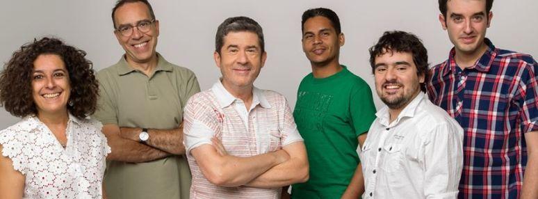 Carlos Santos y su equipo de RNE, con los que has pasado seis fines de semana de verano tan a gusto...