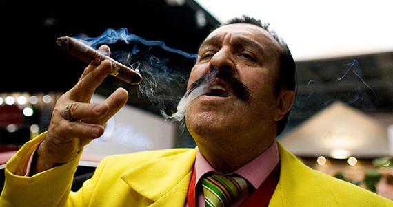 Resultado de imagen de politico gordo fumando un puro