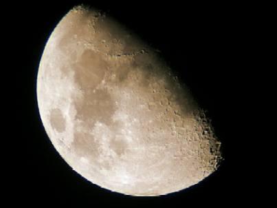 Cuando mengua la luna...¿quién se come la parte de la galleta que falta?